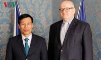 推动越南与捷克文化和旅游合作