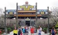 今年初越南共接待一百万人次国际游客