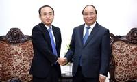阮春福会见日本贸易振兴机构驻越南代表处首席代表川田
