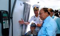 阮春福对越南海军第2区导弹旅战备训练工作进行检查