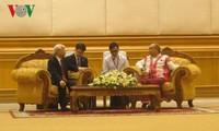 阮富仲会见缅甸联邦议会民族院议长曼温楷丹