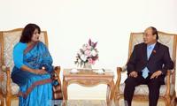阮春福会见孟加拉国新任驻越大使