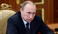 俄罗斯总统选举:普京亲自递交参加2018年总统选举的文件