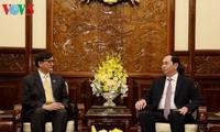 陈大光会见前来辞行拜会的泰国驻越大使马诺斋•旺帕迪