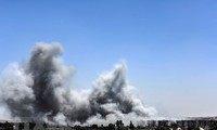 """伊拉克空军对叙利亚境内""""伊斯兰国""""组织据点发动空袭"""