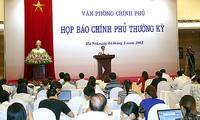 Regierung organisiert turnusmäßige Pressekonferenz
