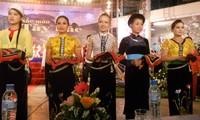 """Die Ausstellung """"Farben des Nordwestens"""" in Hanoi"""