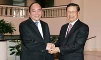 Vietnam und Laos wollen Investitionsprojekte effektiv umsetzen