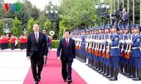 Staatspräsident Truong Tan Sang führt Gespräch mit Aserbaidschans Präsident İlham Əliyev