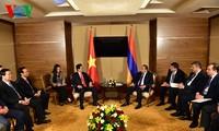 Premierminister Nguyen Tan Dung führt Gespräche mit Regierungschefs der Eurasischen Wirtschaftsunion