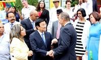 Staatspräsident Truong Tan Sang trifft Delegierte der Asien-Pazifik-Konferenz mit Kuba