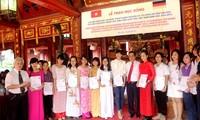 Übergabe der Stipendien von Hessen an ausgezeichnete vietnamesische Studenten