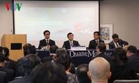 Staatspräsident Truong Tan Sang nimmt am vietnamesisch-amerikanischen Unternehmerforum teil