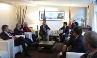 Truong Tan Sang trifft ASEAN-Parlamentariergruppe des Bundestags und den Berliner Bürgermeister