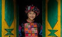Kulturelle Vielfältigkeit Vietnams in Augen eines französischen Fotografen