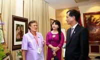 Thailands Prinzessin stellt Fotobuch über Vietnam vor