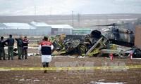 Hubschrauber mit hochrangigen Offizieren stürzt in der Türkei ab