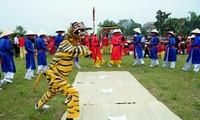 Einzigartigkeit beim Ai Lao-Gesangs und Tanz beim Giong-Festival
