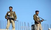 Indische Armee greift auf pakistanischer Seite der Demarkationslinie an