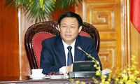 Vizepremierminister Vuong Dinh Hue berät mit Ministerien über Reform und Entwicklung von Unternehmen