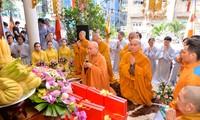 Zahlreiche Bewohner und Buddhisten beteiligen sich am Vu-Lan-Fest