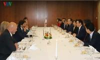 Vizepremierminister Vuong Dinh Hue besucht Slowakei