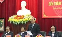 Premierminister Nguyen Xuan Phuc tagt mit Provinzleitung von Thua Thien-Hue