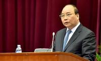 Premierminister Nguyen Xuan Phuc nimmt an Bilanzkonferenz des Technologieministeriums teil
