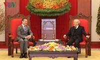 KPV-Generalsekretär Nguyen Phu Trong trifft Frankreichs Botschafter Bertrand Lortholary