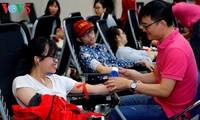 Fast 1000 Bluteinheiten am ersten Tag des Blutspendenprogramms gesammelt