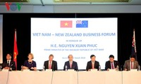 Premierminister Nguyen Xuan Phuc nimmt an Vietnam-Neuseeland-Unternehmensforum teil