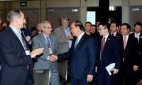 Premierminister Nguyen Xuan Phuc trifft Vertreter großer Unternehmen Australiens