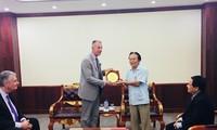 Delegation von US-Veteranenverband VFW besucht Vietnam