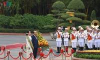 Staatsberaterin Myanmars schließt ihren Besuch in Vietnam ab