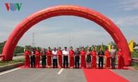 Einweihung der Cao Lanh-Brücke und die Strecke zwischen Brücken Cao Lanh und Vam Cong