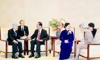Staatspräsident Tran Dai Quang trifft Japans König und Königin sowie Senatspräsident