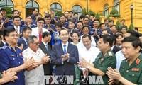 """Staatspräsident Tran Dai Quang fordert die Entfaltung des Modells """"Seepolizei begleitet Fischer"""""""