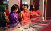 Gattin des indonesischen Präsidenten: Vietnamesisches Frauenmuseum spiegelt lebhaft das Leben der vietnamesischen Frauen wider