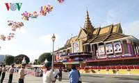 Glückwünsche zum 65. Nationalfeiertag Kambodschas