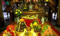 Stimmung des traditionellen Tetfestes in der Hanoier Altstadt