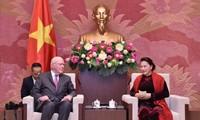 Parlamentspräsidentin Nguyen Thi Kim Ngan empfängt die Delegation der US-Senatoren