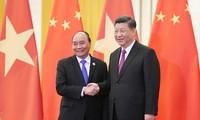 Premierminister Nguyen Xuan Phuc trifft Chinas Parteigeneralsekretär und Staatspräsident Xi Jinping