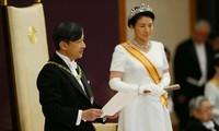 Partei- und Staatschefs beglückwünschen Japans Kronprinzen Naruhito zu seiner Krönung zum Kaiser