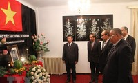 Gedenkfeier für damaligen Staatspräsidenten Le Duc Anh in Algerien und Saudi-Arabien