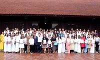 Übergabe der Stipendien des Bundeslands Hessen an ausgezeichnete Studierende in Hanoi und Umgebung