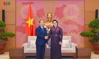 Parlamentspräsidentin Nguyen Thi Kim Ngan trifft Präsidenten des Obersten Gerichtshofs Laos Sengdara