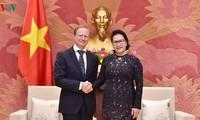 Parlamentspräsidentin Nguyen Thi Kim Ngan empfängt EU-Botschafter Bruno Angelet zu Ende seiner Amtszeit