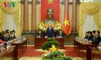 Presiden Vietnam, Tran Dai Quang menerima pemimpin badan-badan usaha pemberi donor untuk KTT APEC 2017