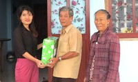Provinsi Phu Yen membantu warga korban taufan memperbaiki rumah untuk merayakan Hari Raya Tet