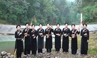 Mengkonservasikan budaya etnis-etnis minoritas melalui memasukkan bahasa etnis minoritas ke dalam program pendidikan di Universitas Thai Nguyen
